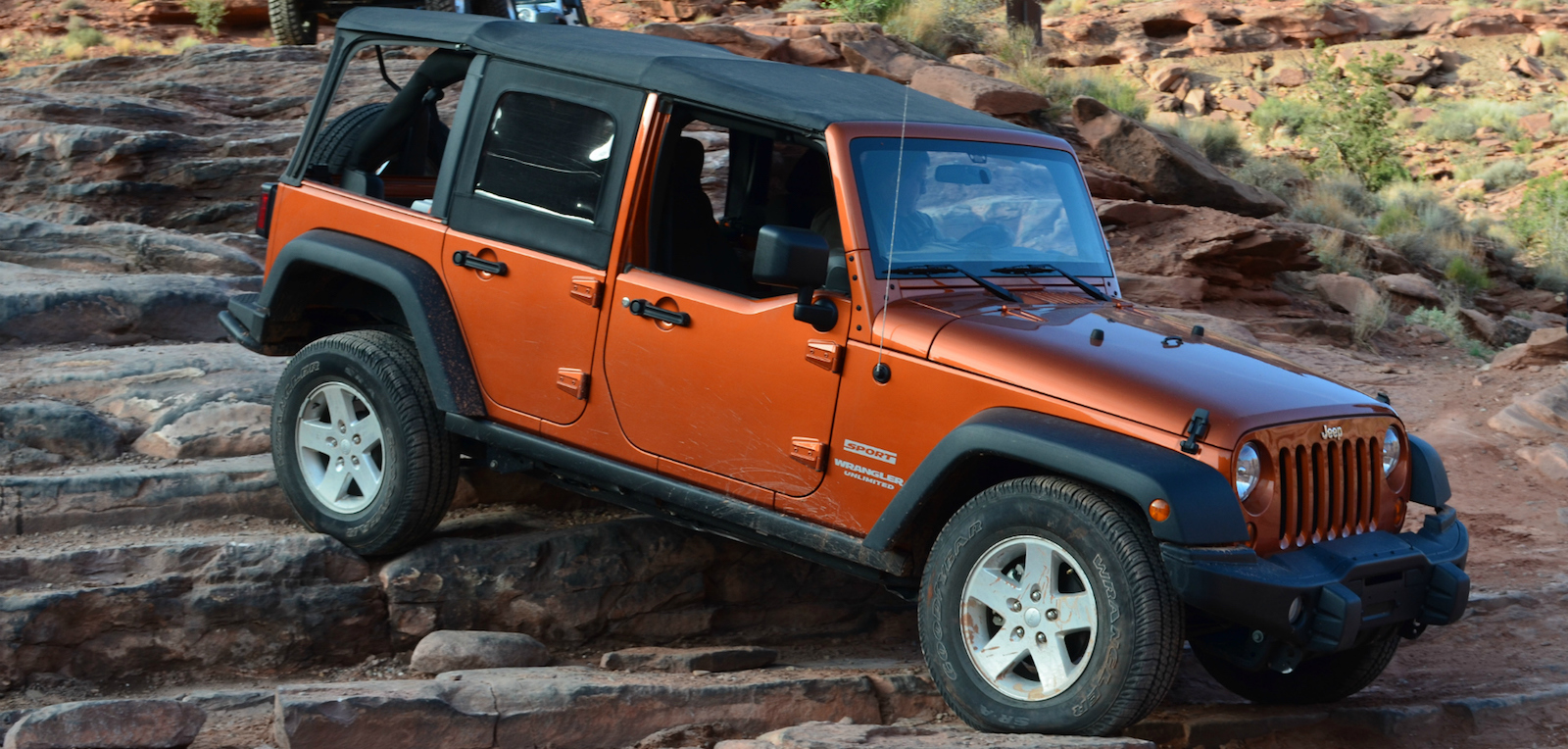 Difference Between Wrangler Sport And Rubicon >> What Is The Difference Between A Jeep Wrangler Rubicon Sahara .html   Autos Weblog