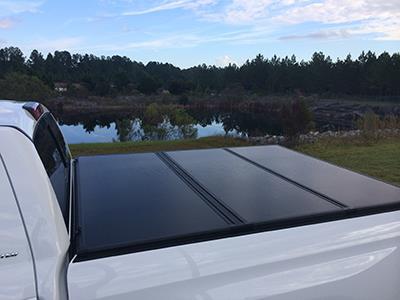 2017 Toyota Tundra Tri-Fold Tonneau Cover