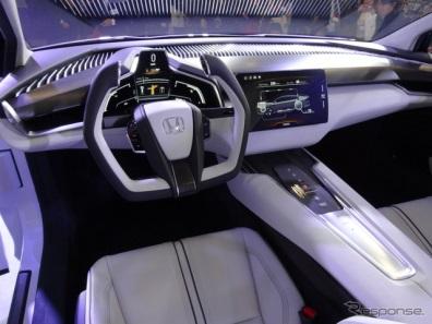 2016 Honda FCV Interior